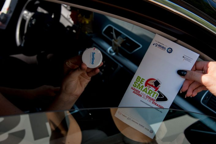 BeSmart Werbeartikel: Sortimo-Pastillen und Flyer