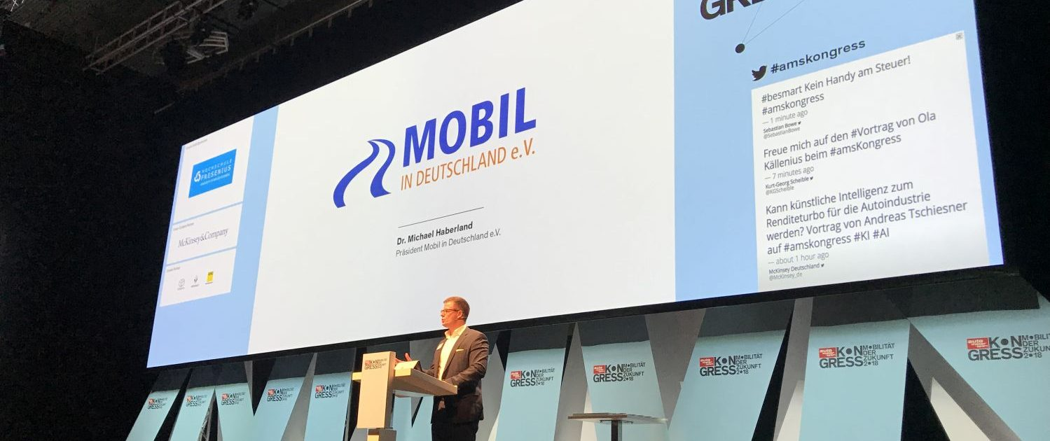 Dr. Michael Haberland beim auto motor und sport mobility safety Award 2018 auf der Bühne